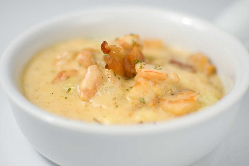 Cheese soup with shrimp
