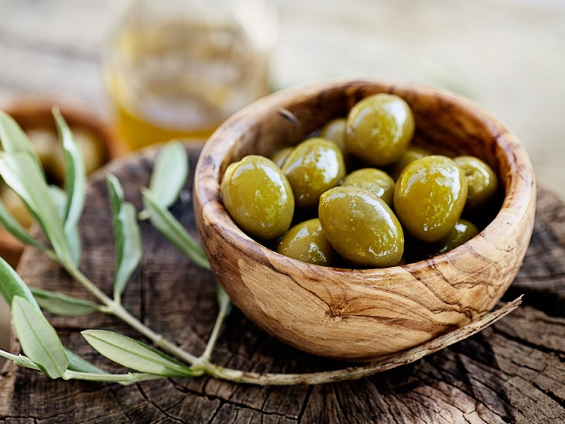 properties of olives