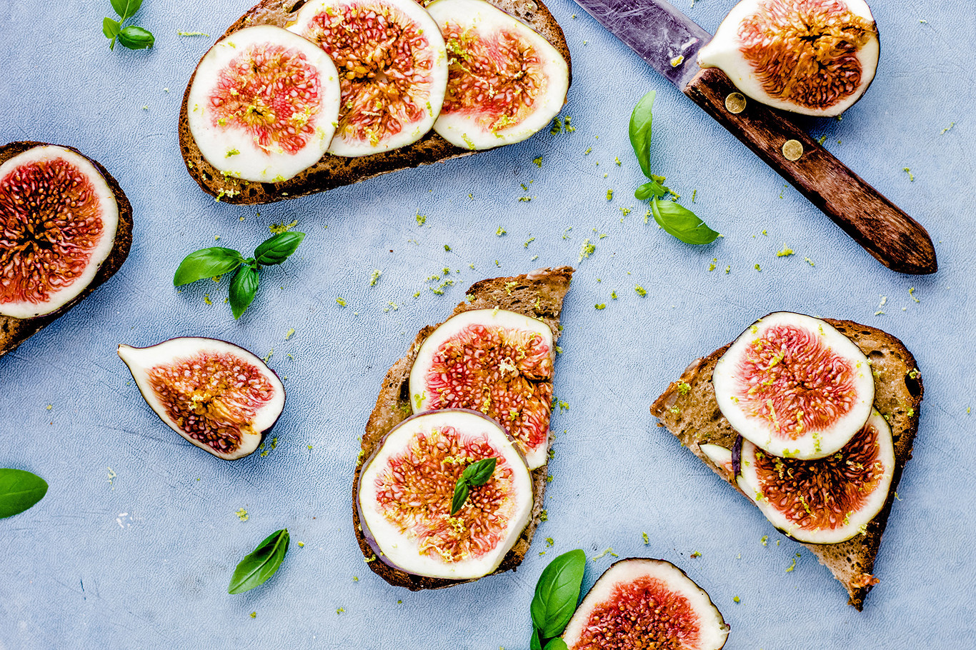 toasts with figs